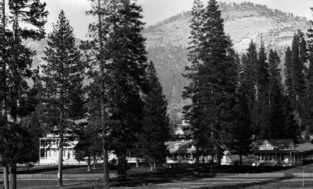 The Wawona Hotel in the Old Days